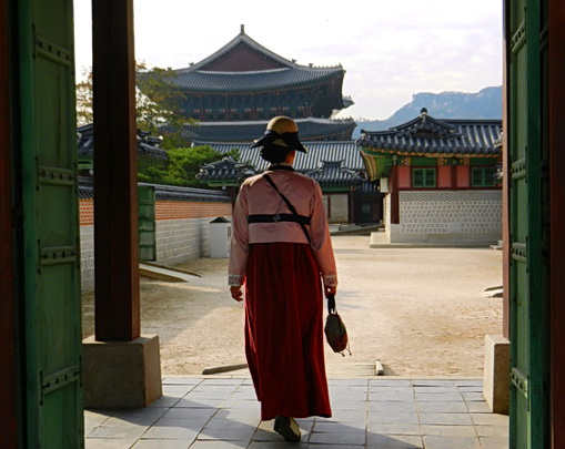 Seoul, South Korea 2011. Photo by HJEH Becker